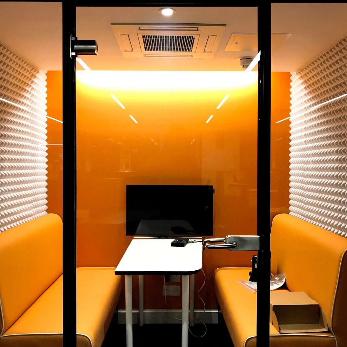 Acoustic treatment in the office