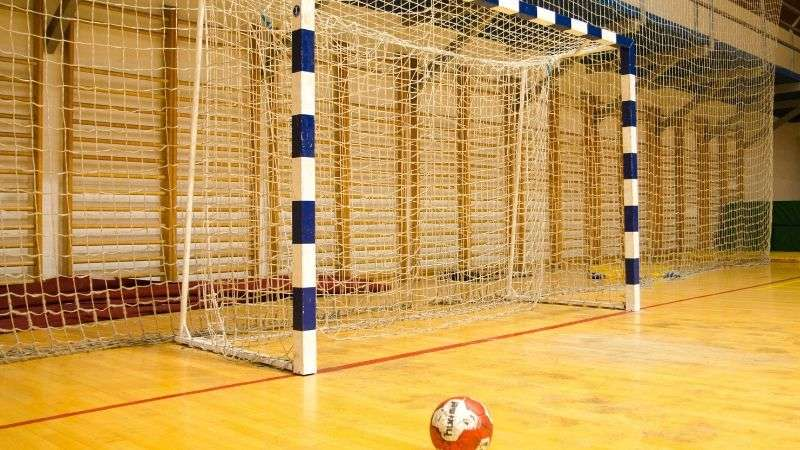 control high reverberation with acoustic soundproofing in sports halls
