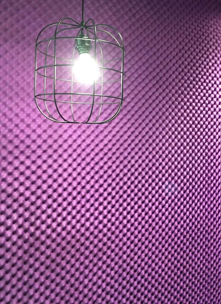 Our Egg Profile foam can break up any reverberation and echo within a room that may clutter a mix or recording. It can be installed on walls and ceilings.