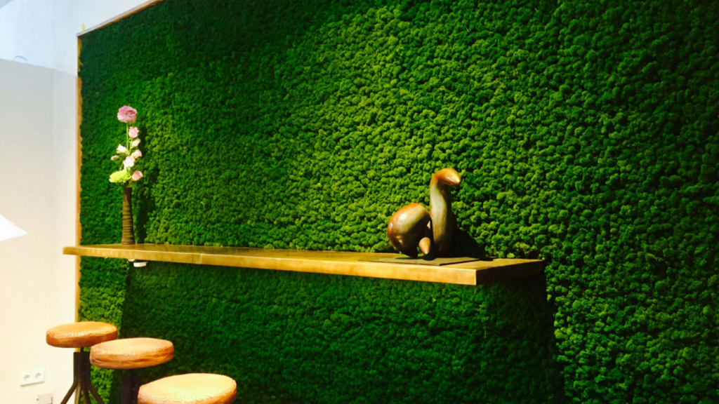 Moss-wall-waiting-area