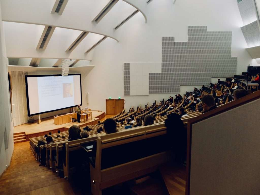 Sound Zero | How important are acoustics in university lecture halls?